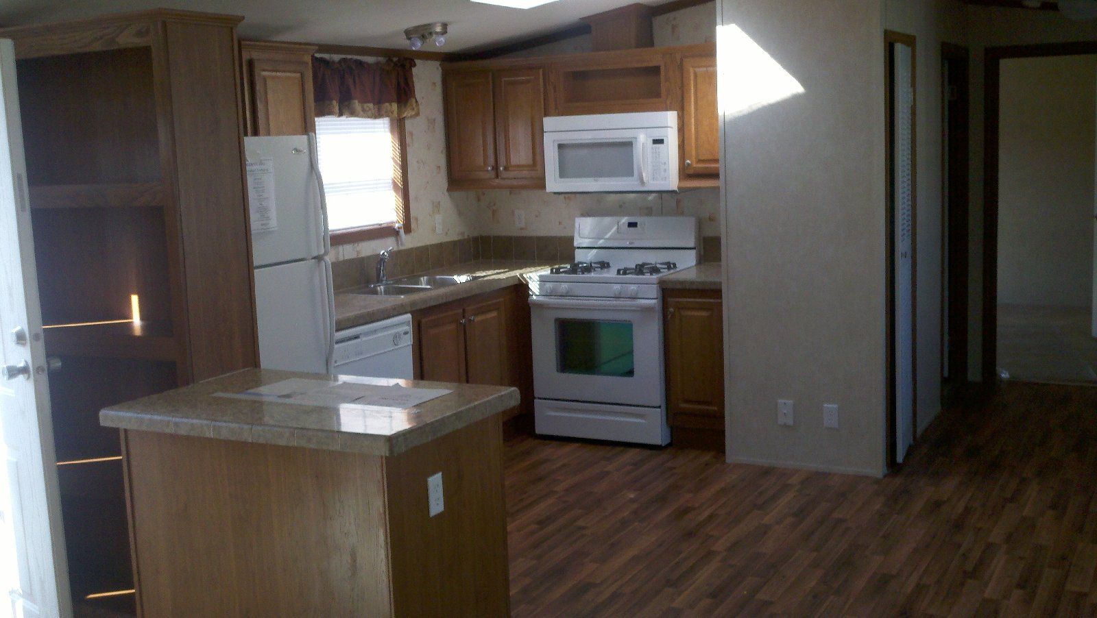 Pictures mobile home kitchens images for Mobile home kitchens pictures